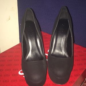 New black platform heels